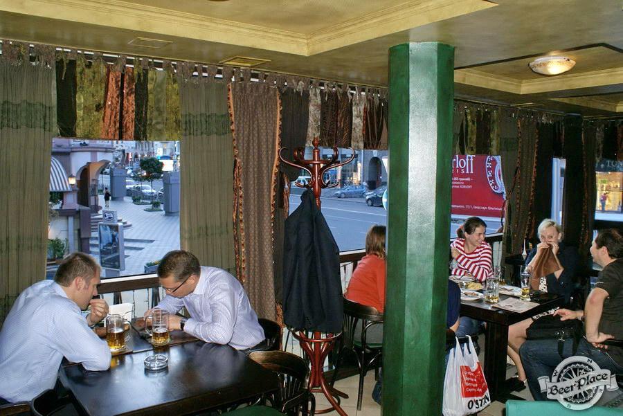 Обзор Лаки Паб | Lucky Pub. Фото. Второй этаж. Конец зала