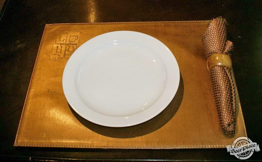 Обзор Лаки Паб | Lucky Pub. Фото. Сервировка стола