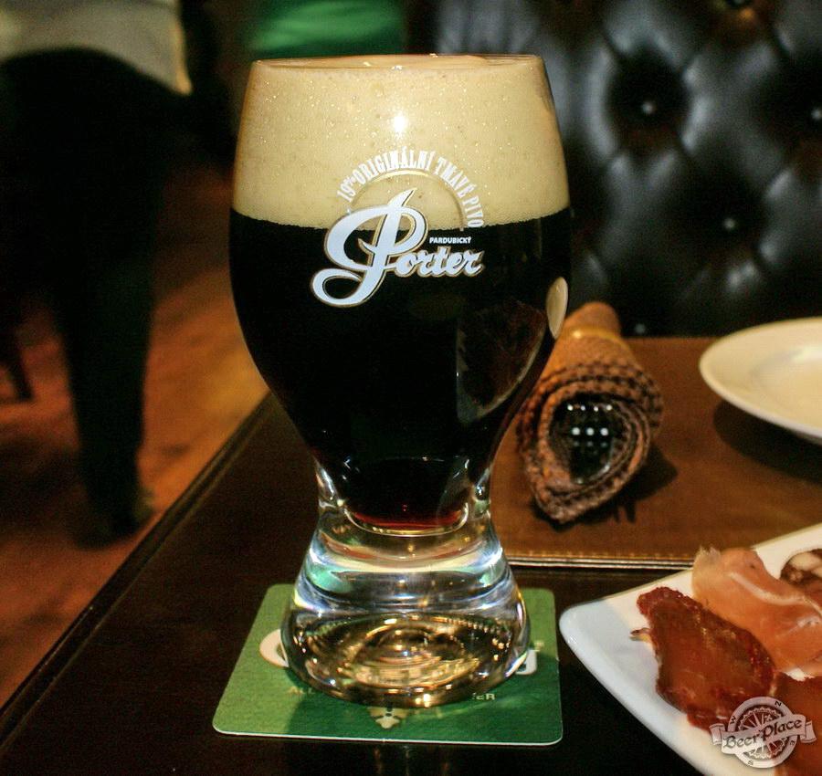 Обзор Лаки Паб | Lucky Pub. Фото. Pardubicky Porter