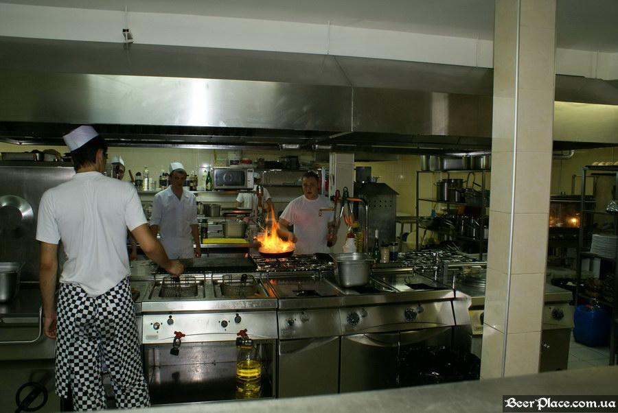 Люстдорф. Ресторан-пивоварня в Одессе. Фото. Ух!