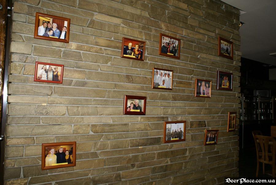 Люстдорф. Ресторан-пивоварня в Одессе. Фото. Второй зал. Фотки знаменитостей