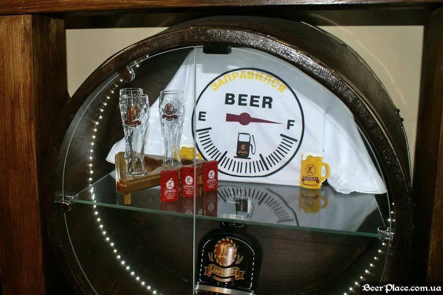 Люстдорф. Ресторан-пивоварня в Одессе. Фото. Сувенирка
