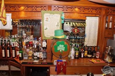 Обзор ирландского паба OBriens. Барная стойка на первом этаже