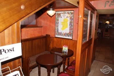 Обзор ирландского паба OBriens. Укромное место под лестницей