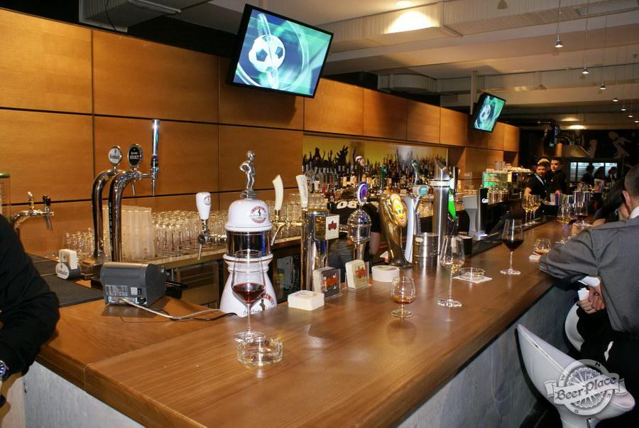 Открытие Olimpiyskiy Sport & Beer. Барная стойка