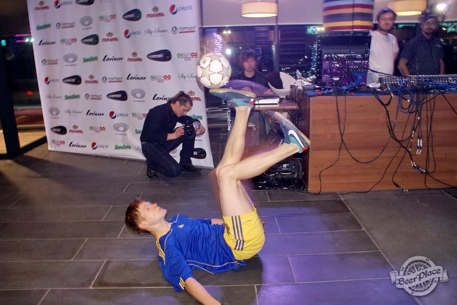 Открытие Olimpiyskiy Sport & Beer. Футбольные фристайлеры