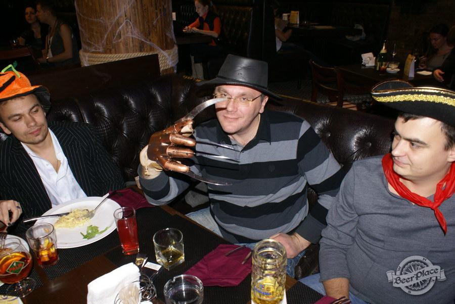 Pinta Cerveza Halloween 2011. Фредди Крюгер