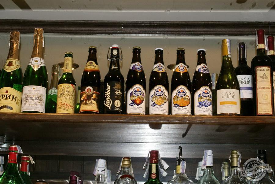 Пивной ресторан Pinta Cerveza. Фото. Пиво на барной стойке