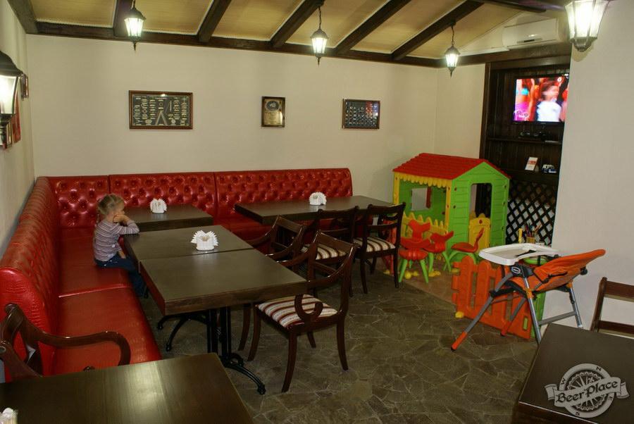 Пивной ресторан Pinta Cerveza. Фото. Второй зал. Общий вид