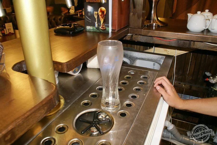 Пивной ресторан Pinta Cerveza. Фото. Охлажденный бокал
