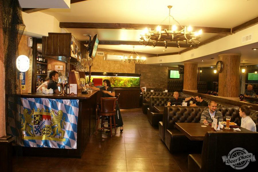 Пивной ресторан Pinta Cerveza. Фото. Первый зал. Общий вид