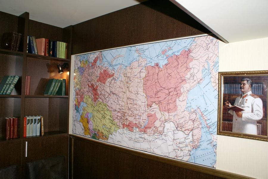 Киев. Паб Пивная №1 на Бассейной. Некурящий зал Кабинет. Карта СССР