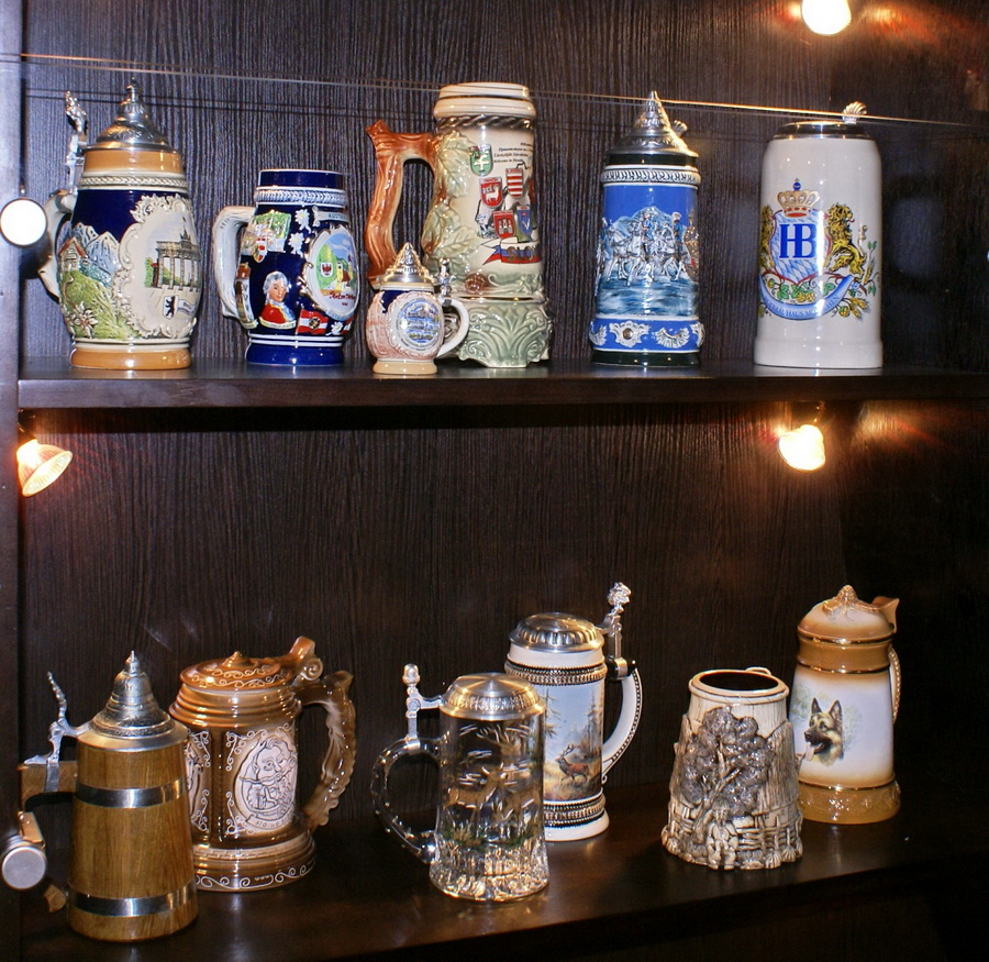 Киев. Пивная на Саксаганского. Фото. Коллекция пивных кружек