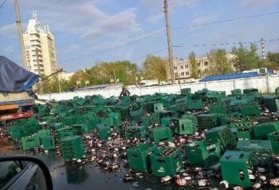 В Киеве разбились сотни ящиков в пивом