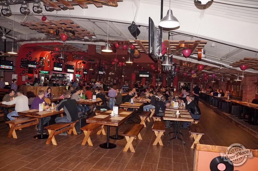 Обзор паба Big Ben | Биг Бен в ТРЦ Dream Town | Дрим Таун. Киев. Общий вид зала