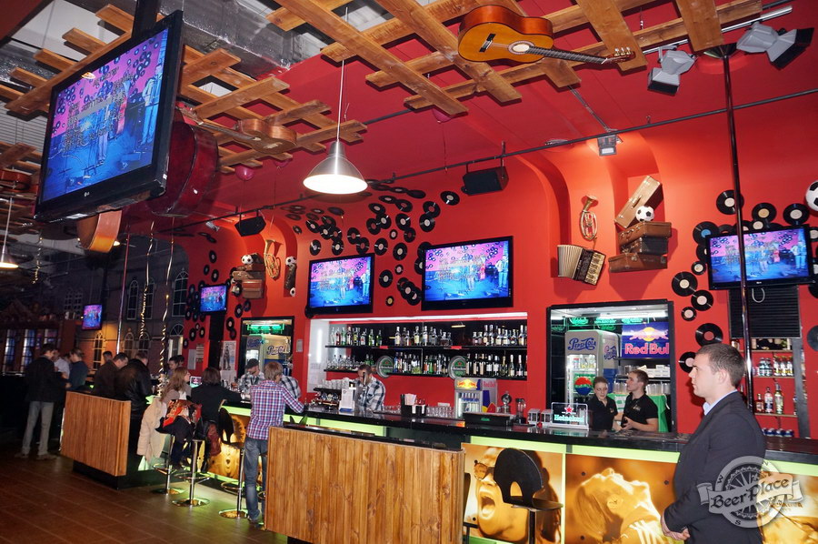 Обзор паба Big Ben | Биг Бен в ТРЦ Dream Town | Дрим Таун. Киев. Барная стойка