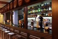 Pub-Chicago-Counter-1