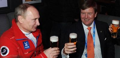 Король Нидерландов угостил Путина пивом