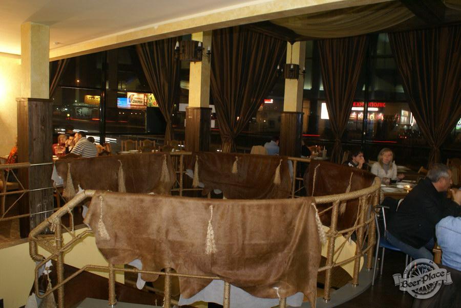Обзор пивного клуба Рыжая Корова. Второй этаж