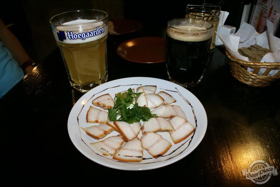 Краш-тест паба Сало-бар на Печерске. Пиво, сало и хлеб