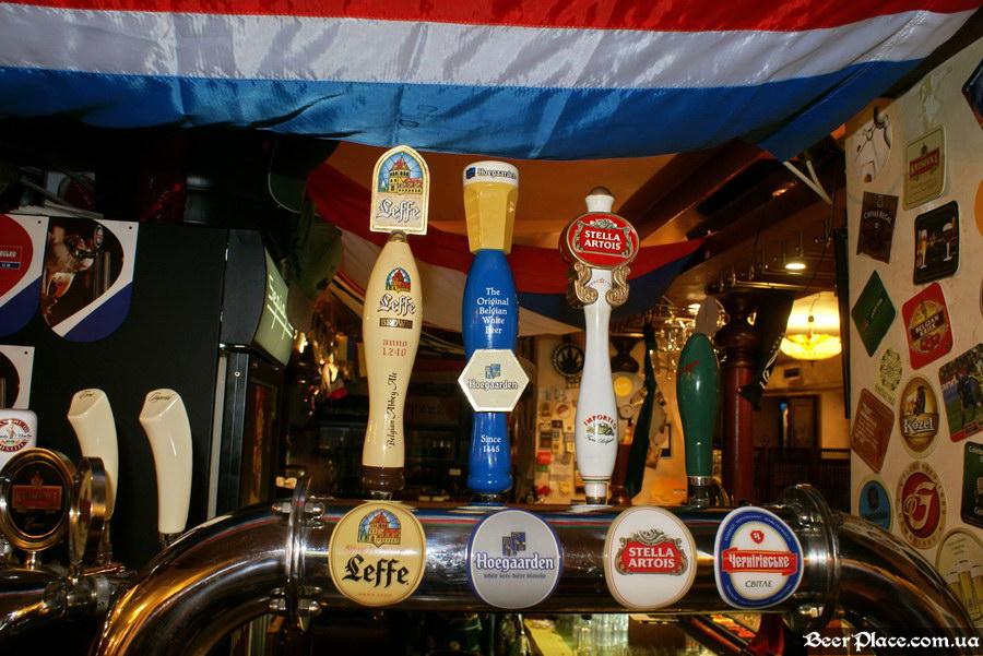 Обзор Sepia Pub | Сепия паб. Киев. Фотографии. Ручки для налива пива