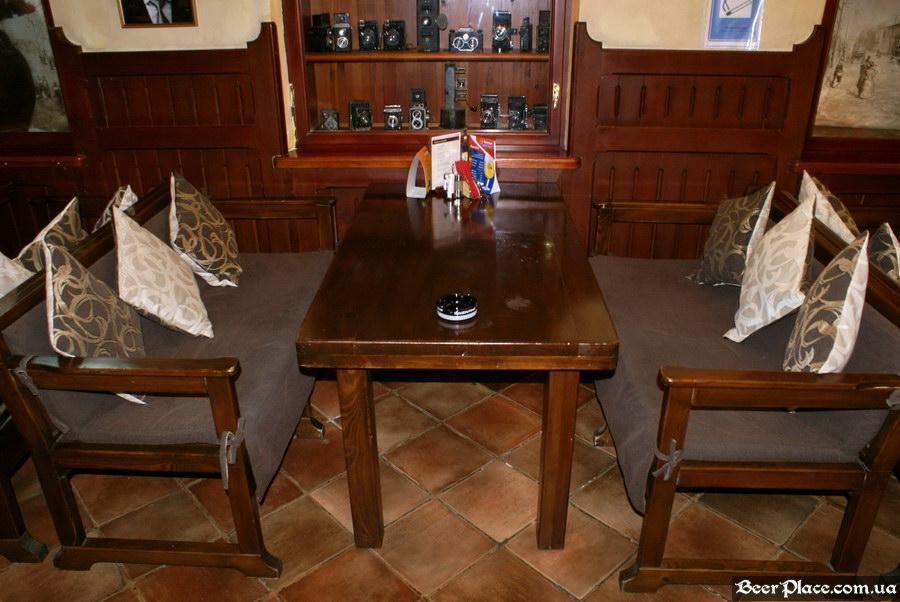 Обзор Sepia Pub | Сепия паб. Киев. Фотографии. Стол