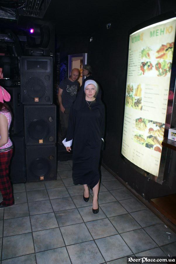 Паб Штольц. Киев. Second Glam-Rock Party In Ukraine. Монашки в пабе