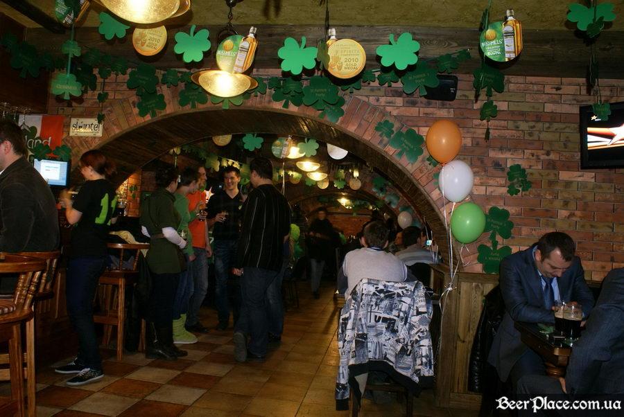 День святого Патрика 2011: паб O'CONNOR'S. Гости - они везде
