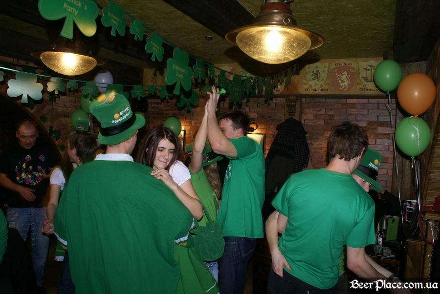 День святого Патрика 2011: паб O'CONNOR'S. Медленный танец под песни Tartila