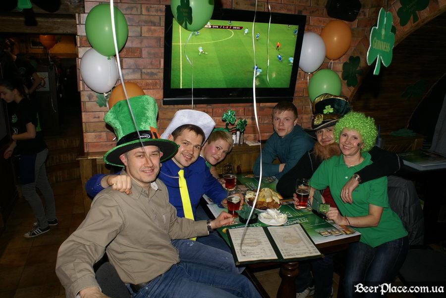 День святого Патрика 2011: паб O'CONNOR'S. Правильная одежда - залог успешной тематический вечеринки