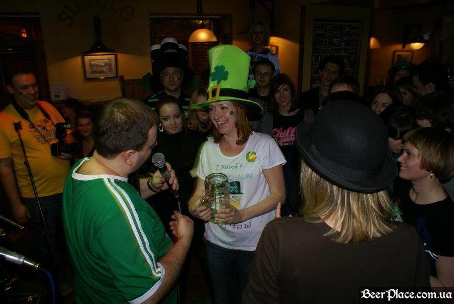 День святого Патрика 2011: ирландский паб O'BRIEN'S. Бокалы Львовского