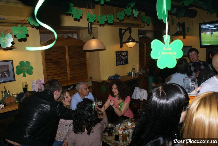День святого Патрика 2011: ирландский паб O'BRIEN'S. Колбаситесь? Ну и на здоровье, а мы просто посидим!