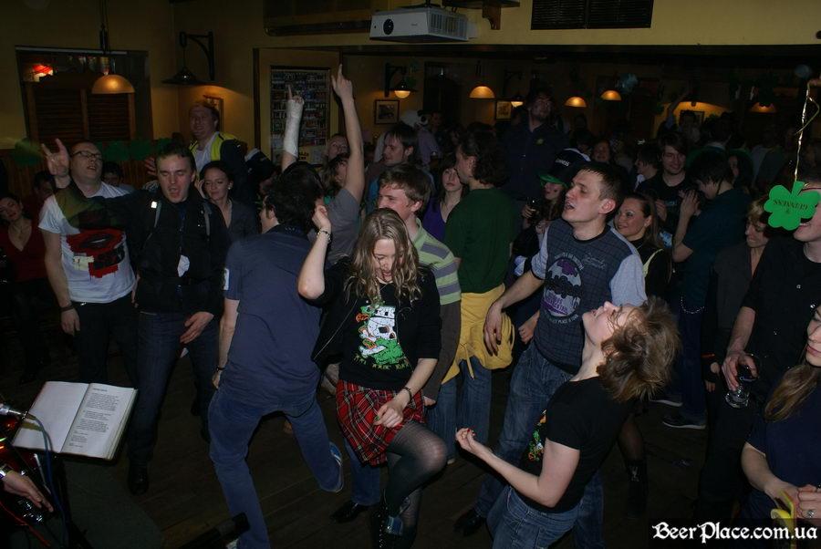 День святого Патрика 2011: ирландский паб O'BRIEN'S. Отрываемся под Магму