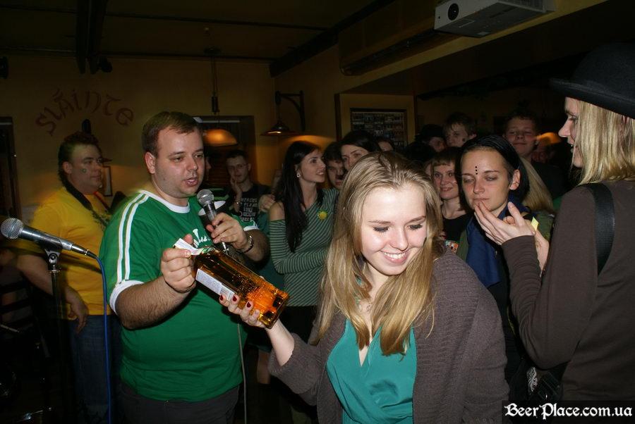 День святого Патрика 2011: ирландский паб O'BRIEN'S. Счастливые обладатели ирладнского виски Bushmills
