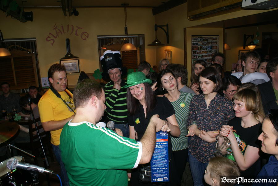 День святого Патрика 2011: ирландский паб O'BRIEN'S. Ваш жбан пива? Получите!