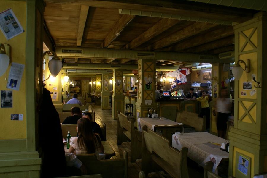 Чешский ресторан Старомак. Первый зал