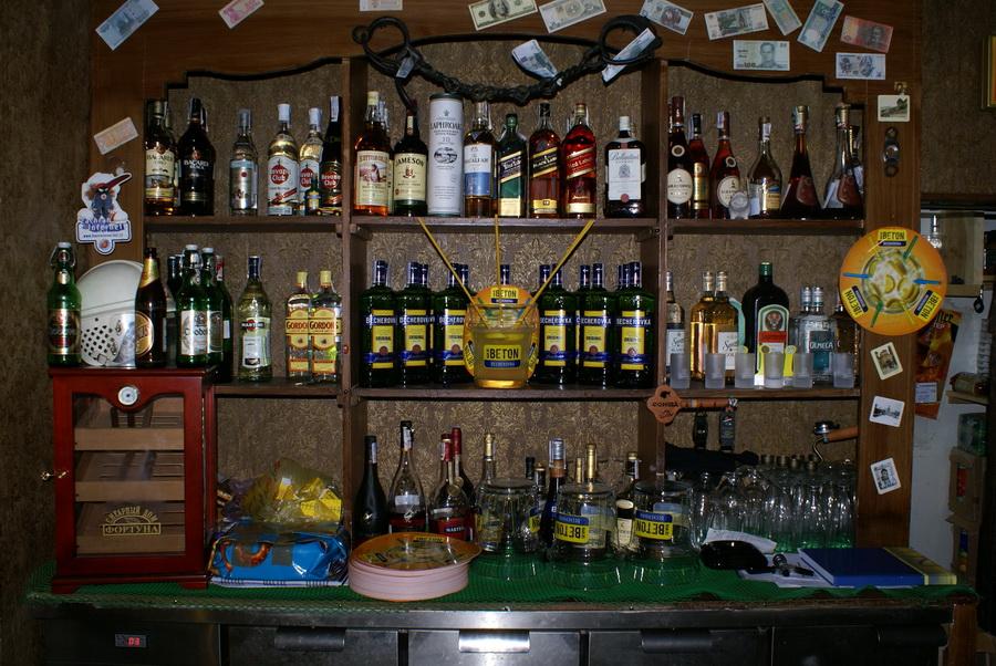Чешский ресторан Старомак. Старинная мебель