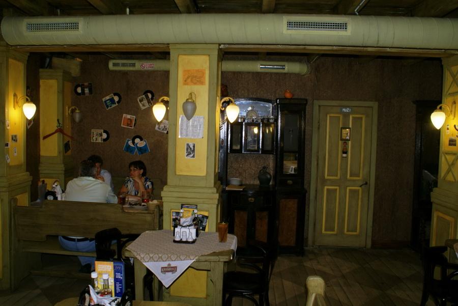 Чешский ресторан Старомак. Уютный угол в конце зала