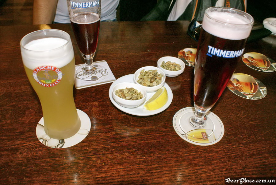 Краш-тест. Пивное бельгийское кафе Трубадур. Одесса. Timmermans Kriek и Blanche de Bruxelles