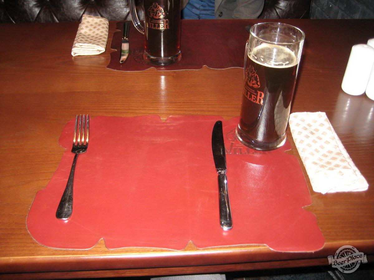 Краш-тест пивного ресторан Виллер на Оболони. Сервировка