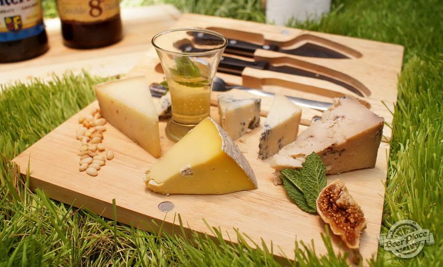 Дегустация Waterloo 8 Double Dark и Floreffe Prima Melior в FoodTourist. Grana Padano del Bosco | Capra Sarda | Pecorino di Grotta | Parmigiano Reggiano | Gorgonzola