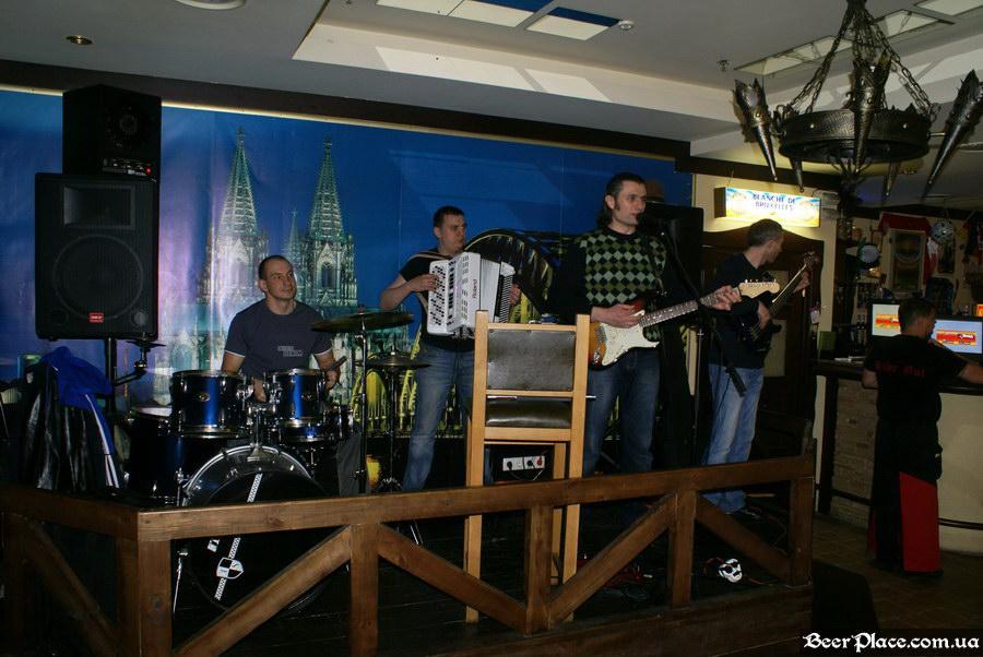 Келлер Зер Гут. Киев. Живая музыка