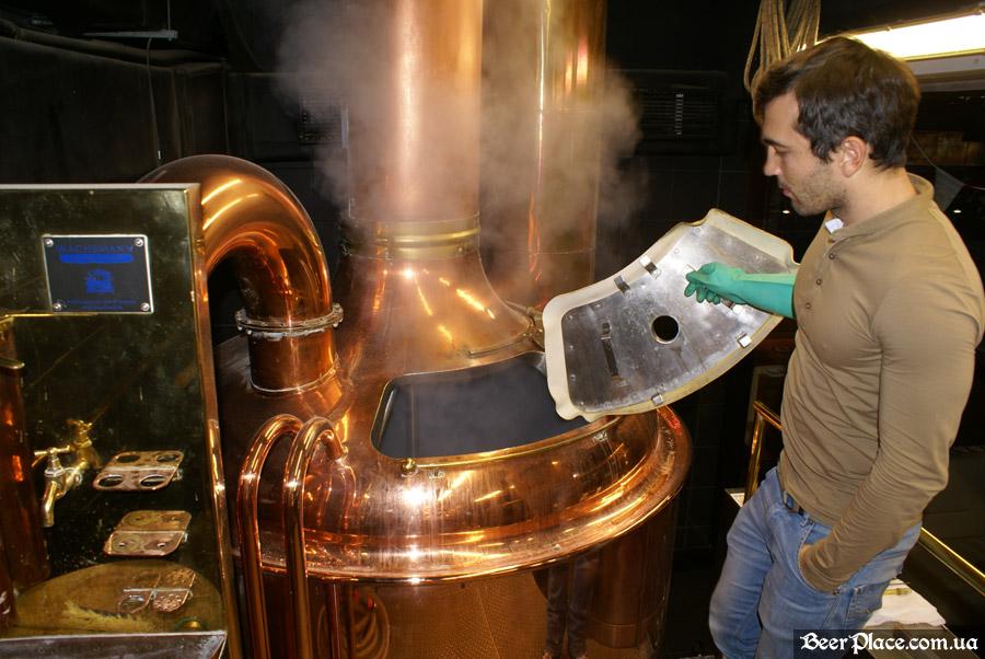 Как варят пиво в Arena BeerHouse. Декокция началась
