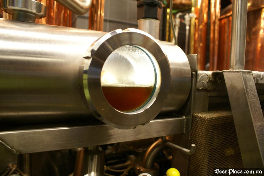 Как варят пиво в Arena BeerHouse. Пиво после второго отцеживания