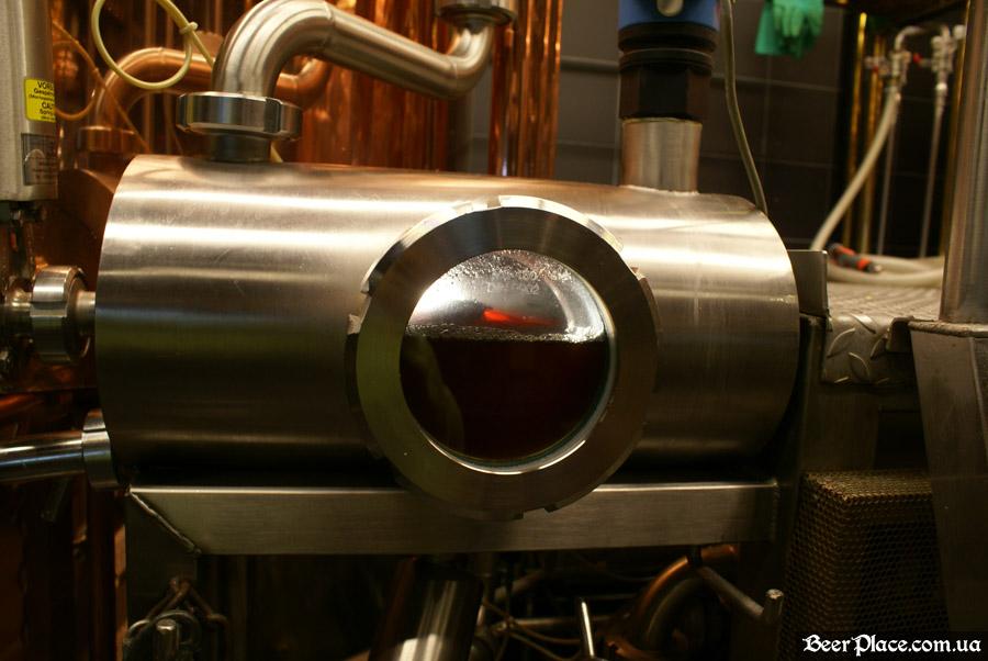 Как варят пиво в Arena BeerHouse. Пиво после третьего отцеживания