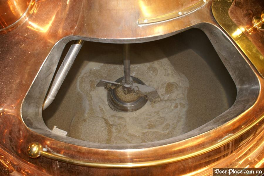 Как варят пиво в Arena BeerHouse. Весь солод затарен