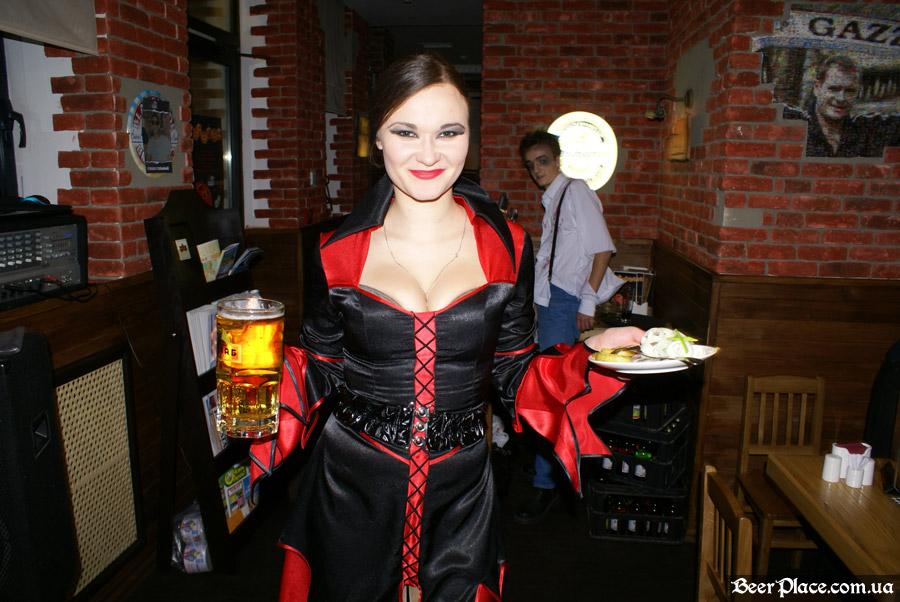 Хеллоуин 2010 в АУТ ПАБе. Фото. Костюмы персонала