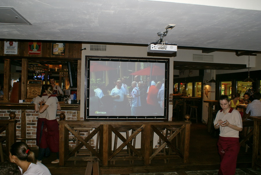 Киев. Паб Beer Point фото. Большой экран