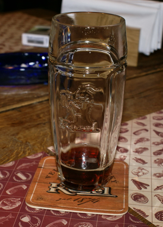 Киев. Паб Beer Point фото. Бокал KOZEL в Beer Point
