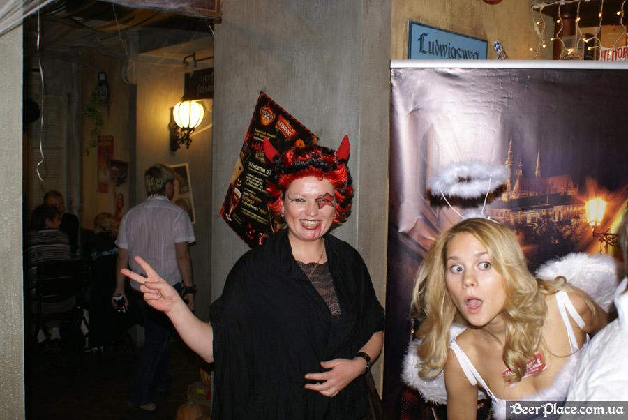 Хеллоуин 2010 в Киеве. Пивной клуб Натюрлих. Фото. Кадр из Scary movie